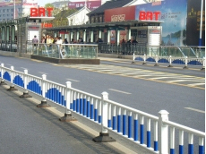锌钢梅花管公路护栏